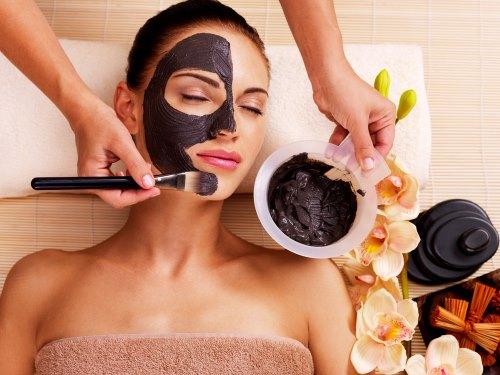 Идеальная черная маска для лица
