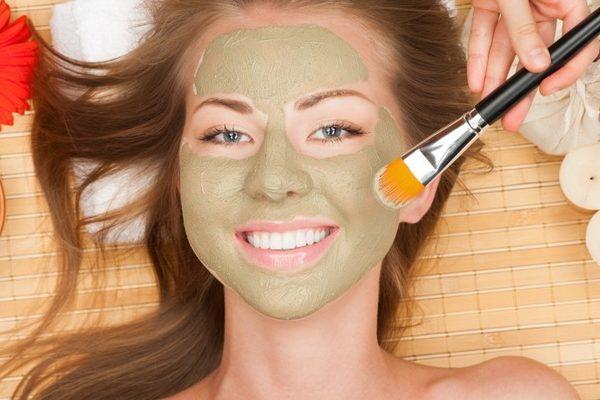 Полезные маски для лица из косметической глиной