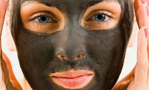 Полезные маски для лица с активированным углем